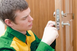 Can A Locksmith Open an Apartment Door?